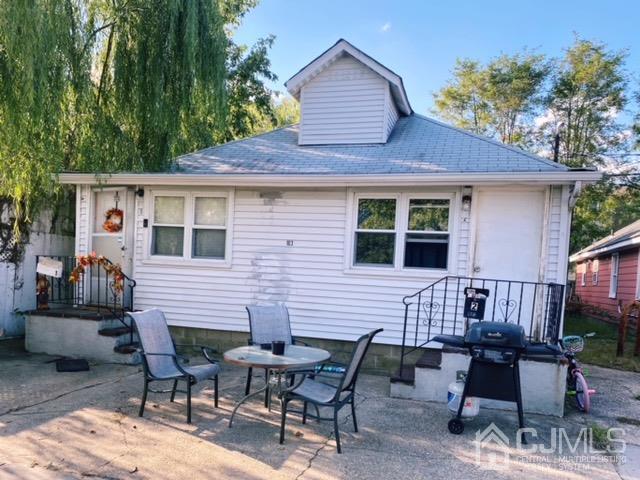 Revenu résidentiel pour l Vente à Keansburg, New Jersey 07734 États-Unis