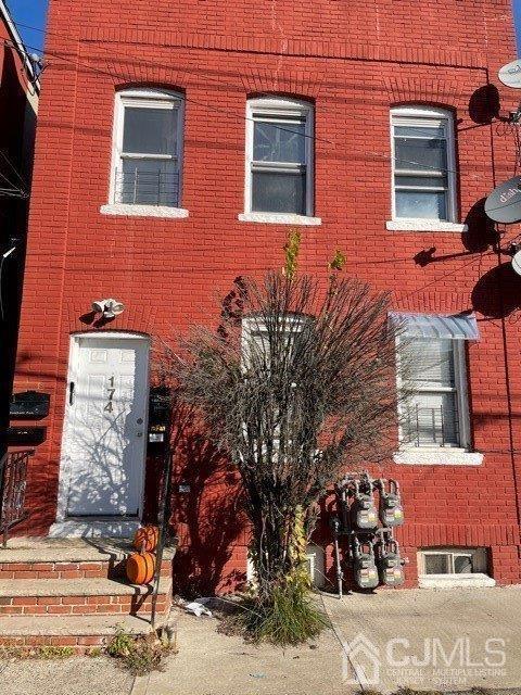 174 Pulaski Avenue
