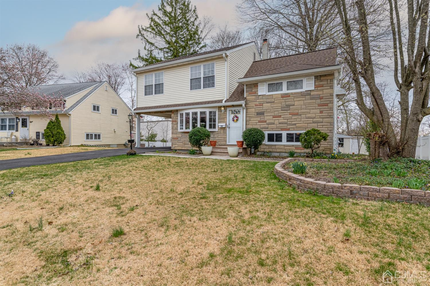 Property for sale at 10 Oxford Road, East Brunswick,  New Jersey 08816