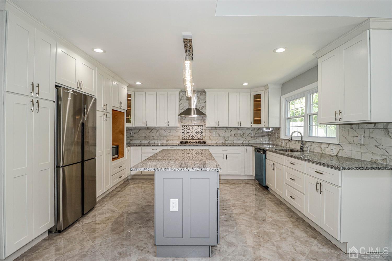 Property for sale at 22 La Valencia Road, Old Bridge,  New Jersey 08857