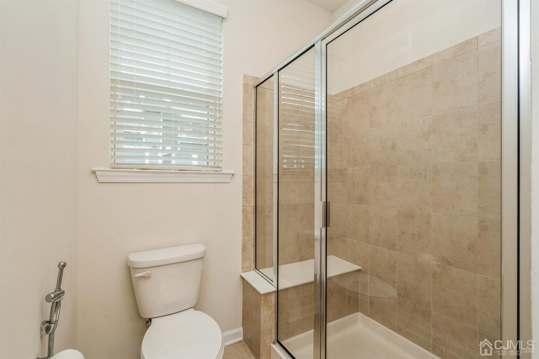 Owner's En Suite Bathroom
