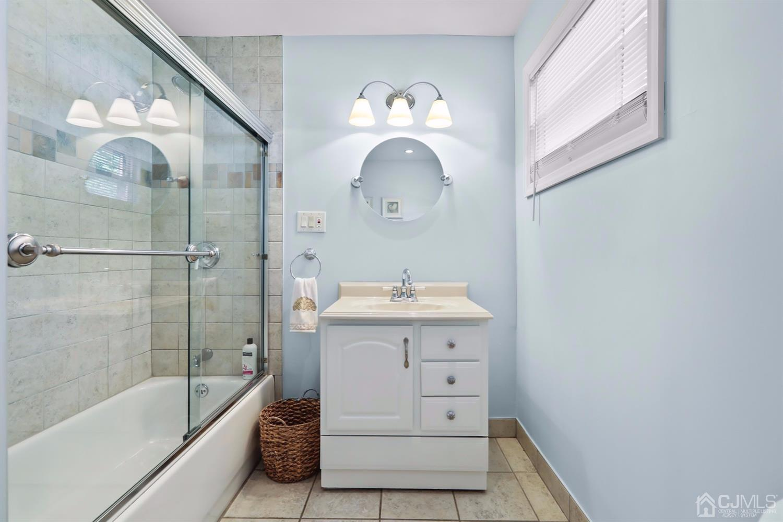 Beautiful First Floor Full Bathroom