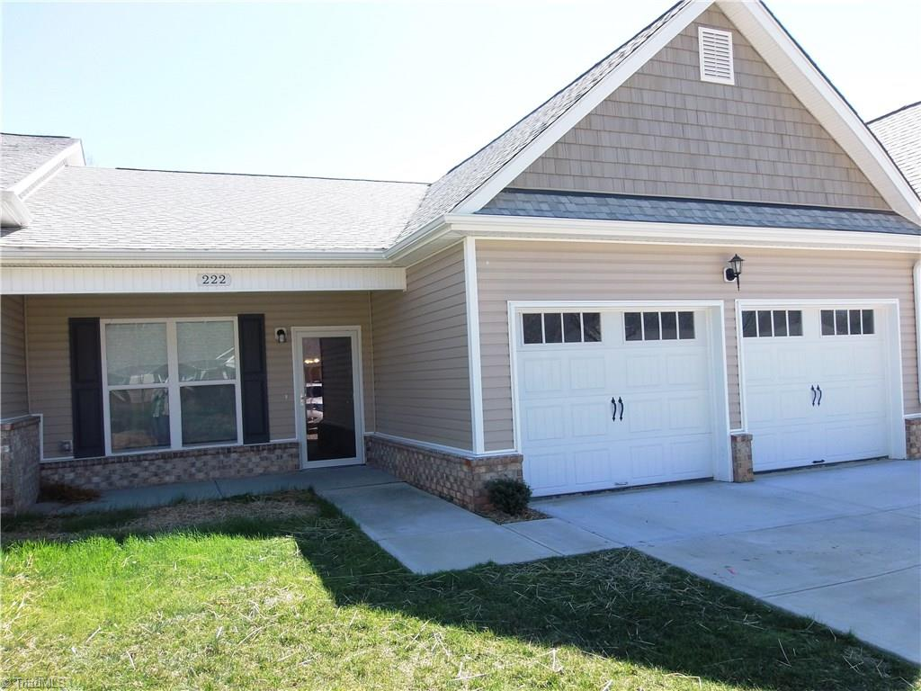 Beautiful townhome in the quaint little town of Pilot MOuntain Minutes from Highway 52. Walking distance to restaurants and businesses. Open floor plan with high ceilings, laminate flooring in living area carpet in bedrooms. Stainless steel appliances .  Under counter lighting . Covered front porch, screened back porch. 2 car garage. Whole house dehumidifier,  Great home , great location.