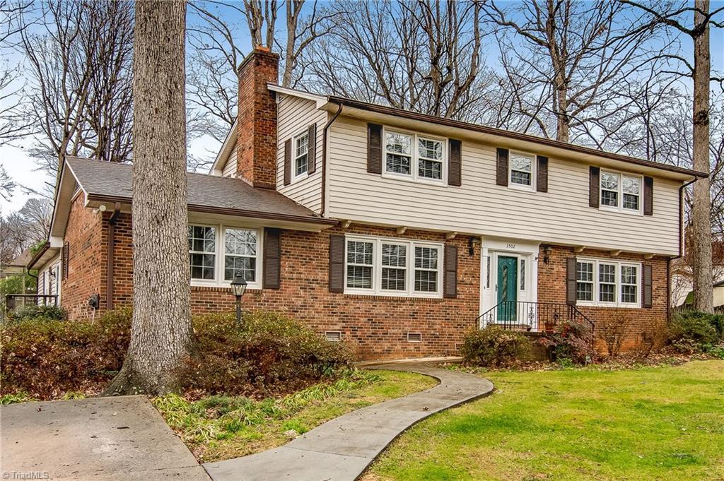 3502 Spicebush Trail, Greensboro, North Carolina 27410, 5 Bedrooms Bedrooms, 12 Rooms Rooms,Residential,For Sale Triad MLS,Spicebush,960720