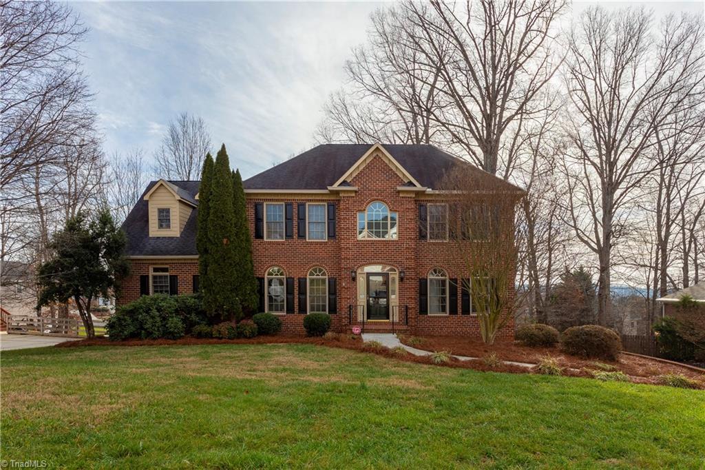 Property for sale at 3635 Glennmoor Drive, Pfafftown,  North Carolina 27040