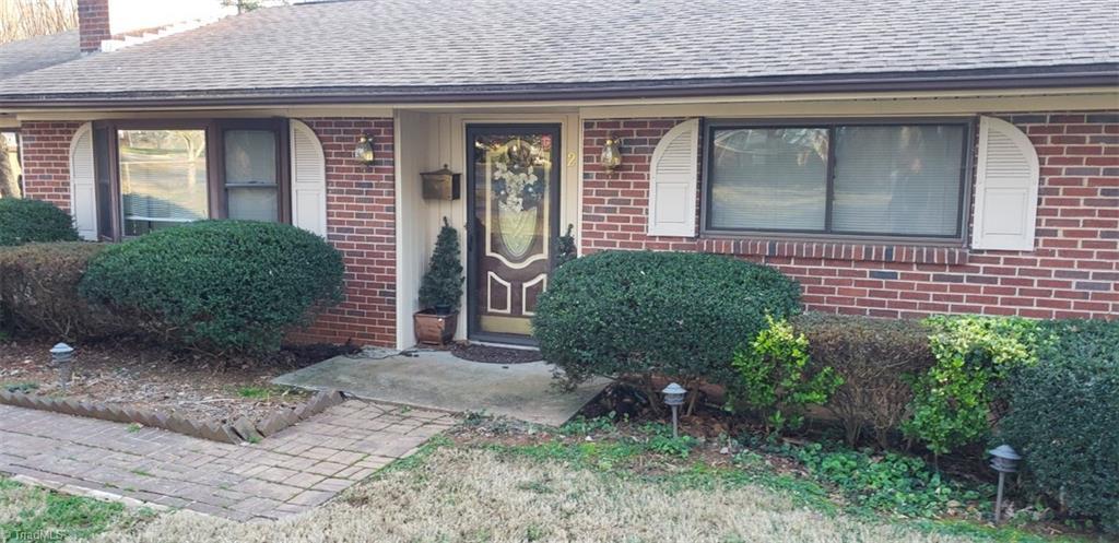 Property for sale at 222 Beechwood Circle, Winston Salem,  North Carolina 27105