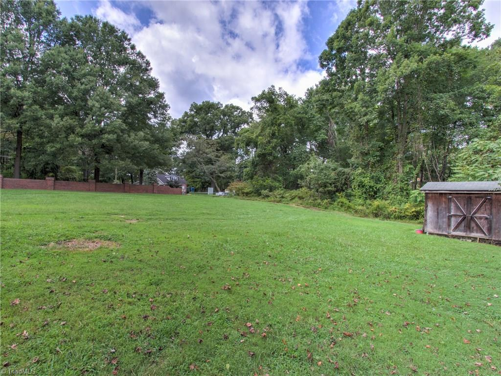 6822 River Hills Drive, Greensboro, North Carolina 27410, 3 Bedrooms Bedrooms, 7 Rooms Rooms,Residential,For Sale Triad MLS,River Hills,965563