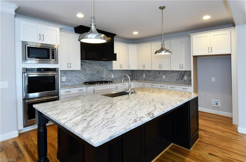 8179 Rob Roy Drive, Summerfield, North Carolina 27358, 4 Bedrooms Bedrooms, 8 Rooms Rooms,Residential,For Sale Triad MLS,Rob Roy,965913
