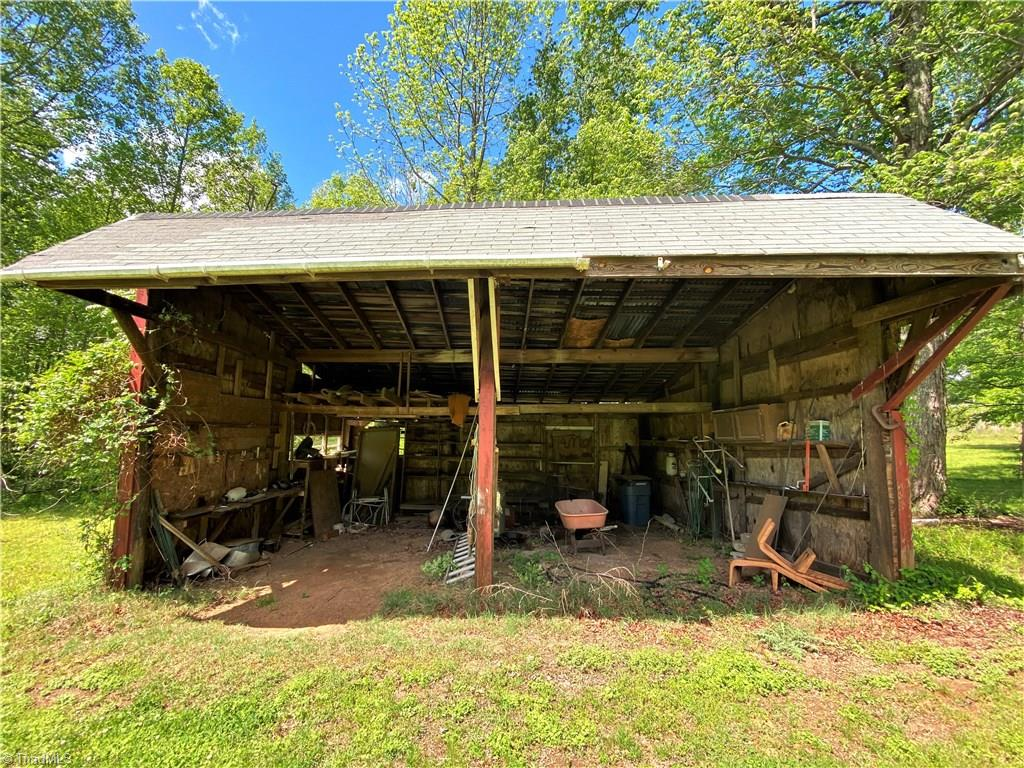5211 US Highway 220, Summerfield, North Carolina 27358, 2 Bedrooms Bedrooms, 6 Rooms Rooms,Residential,For Sale Triad MLS,US Highway 220,975242