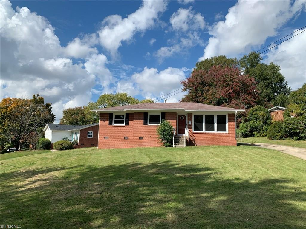 MOVE IN READY!  New Windows, New Carpet, Fresh Paint, New Countertops in Kitchen!  This home is ready for its new owner!  Located in the desirable Hillsdale Park Neighborhood!  Corner Lot, Fenced Backyard with a Storage Building.  Will not last!