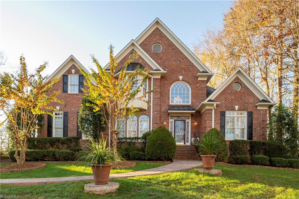Gorgeous open concept 4 BR 4.1 ba brick w/2-story foyer w/curved staircase, 3-tier chandelier & transoms throughout. Newly painted; move-in ready. One owner; well maintained. Hardwood in Foyer, DR, Kit, Office/LR, GR, ½ bath. Spacious kit remodel 2016 w/ granite, full travertine backsplash, Jenn-Air SS apps & sink, 7' kit island, touch faucet, & undercabinet lights. Oversized GR w/gas fireplace & built-ins. Main floor master new carpet, jetted tub w/custom stained glass above, cultured marble white cabs in all baths. Upstairs 3 spacious BR's w/ walk-in lighted closets—1 is jr master suite & 2 share buddy bath. Loft space for use as office, study or tv area.  Finished walkout lower level has full bath for use as—office/schoolroom, guest quarters, 5th BR or theater room.  Lower level enters priv patio fenced yard.  Irrigation sys and trex deck.  Incl Greenbrier Farm pool, clubhouse activities for kids/adults, tennis/bball courts, playground, soccer field, walking trail & stocked ponds.