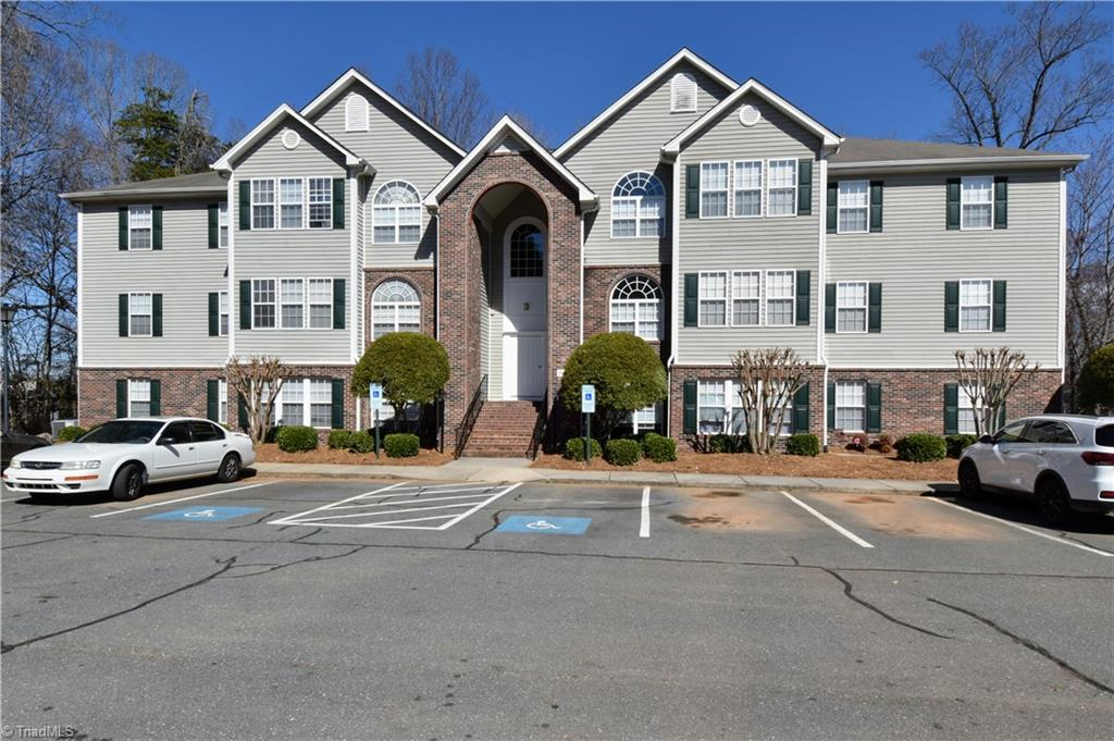 A Main / Lower level condo in the popular gated community, Deacon Ridge. Minutes from WFU, Downtown, shopping, dining, hospitals and more. This is a 2 bedroom, 2 bath unit ready for your personal touches. Laminate, carpet & vinyl floors, ceiling fans, gas fireplace, built in shelves with refrigerator, washer & dryer included. Step outside to your private covered patio and enjoy the natural light through the large windows. Set up your showing today.