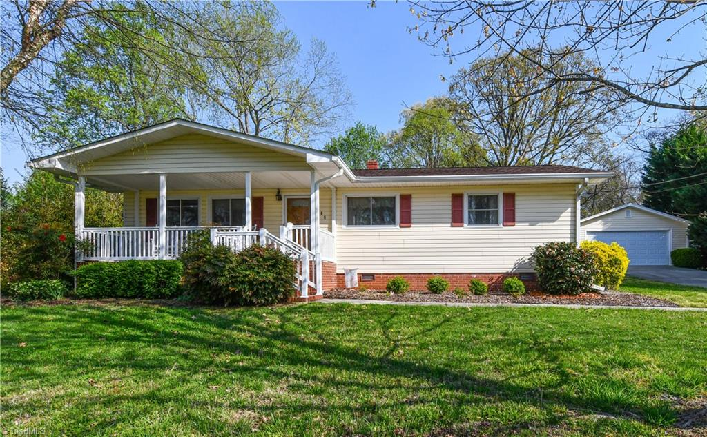 106 Perry Road, Jamestown, North Carolina 27282, 3 Bedrooms Bedrooms, 6 Rooms Rooms,Residential,For Sale Triad MLS,Perry,1019697