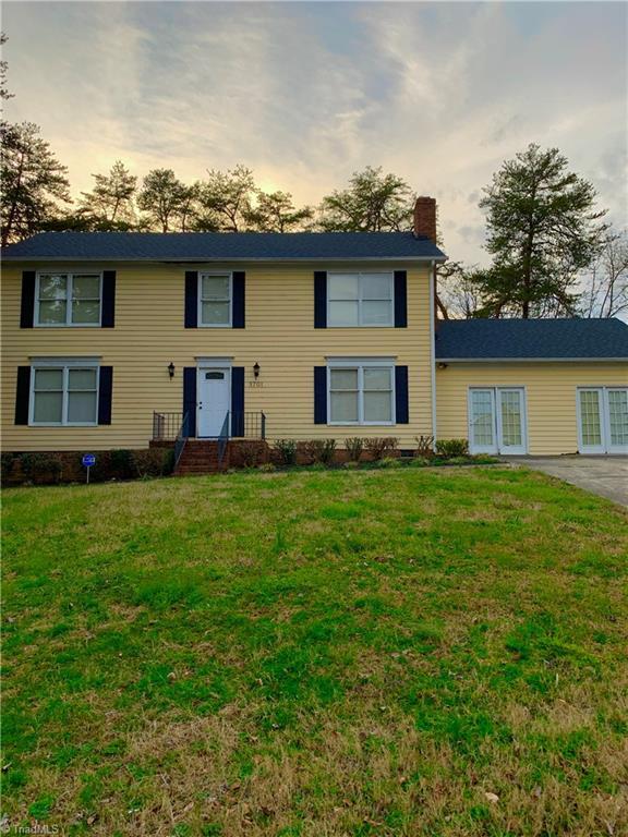 5701 Wrenwood Drive, Greensboro, North Carolina 27455, 4 Bedrooms Bedrooms, 8 Rooms Rooms,Residential,For Sale Triad MLS,Wrenwood,1019700