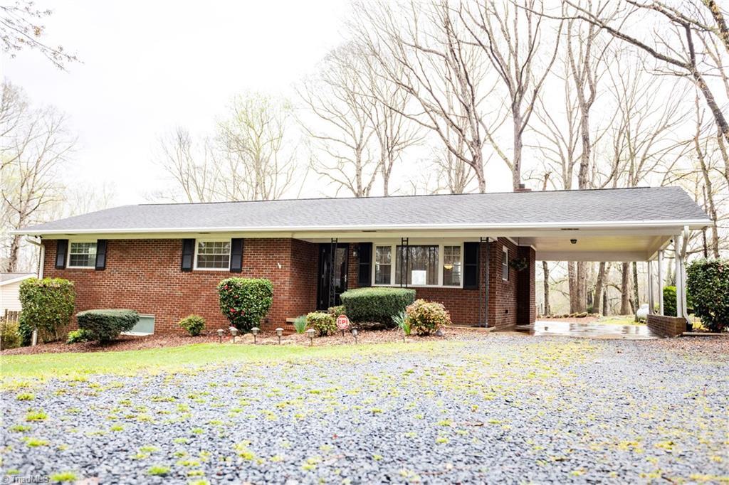761 April Lane, Asheboro, North Carolina 27205, 3 Bedrooms Bedrooms, 6 Rooms Rooms,Residential,For Sale Triad MLS,April,1019718