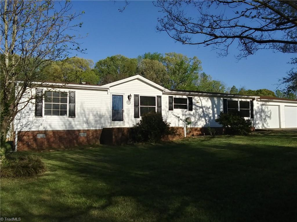 393 Red Oak Drive, Stokesdale, North Carolina 27357, 3 Bedrooms Bedrooms, ,Residential,For Sale Triad MLS,Red Oak,1019825