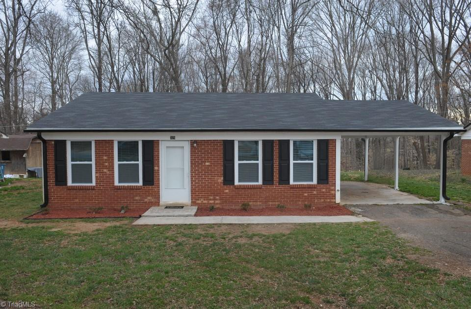 325 Mountview Drive, Mocksville, North Carolina 27028, 3 Bedrooms Bedrooms, ,Residential,For Sale Triad MLS,Mountview,1019844