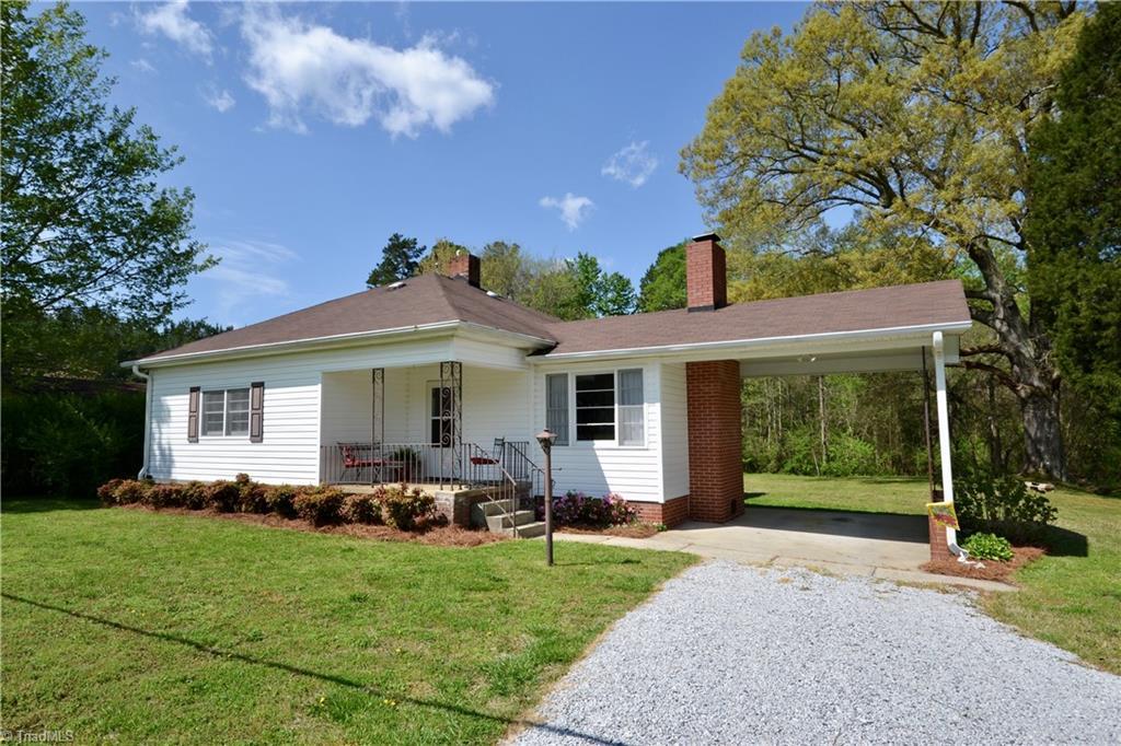 2747 Old Mocksville Road, Salisbury, North Carolina 28144, 2 Bedrooms Bedrooms, 3 Rooms Rooms,Residential,For Sale Triad MLS,Old Mocksville,1019849