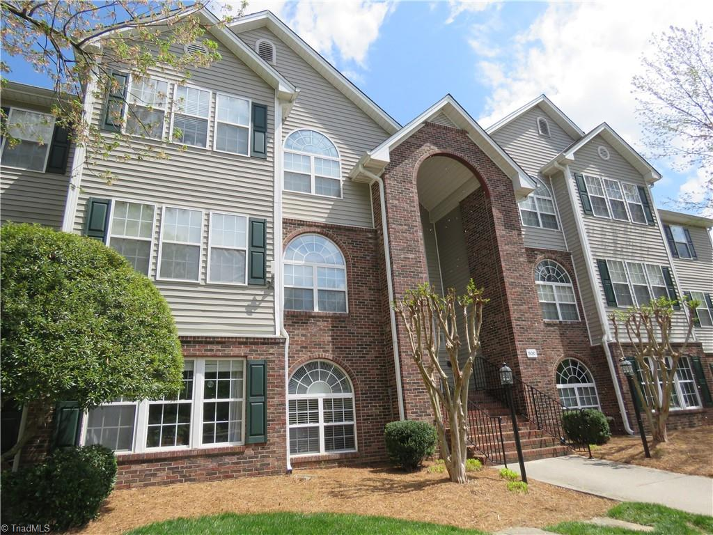 Showings will start Thursday April 29th, ALL OFFERS TO BE SUBMITTED NO LATER THAN 8:00 PM SUNDAY, MAY 2nd. OPEN HOUSE WILL BE HELD from 2 to 4 SUNDAY, MAY 2. FANTASTIC 2nd level condo is popular Deacon Ridge! Wake Forest students love this location. Spacious condo with laminate flooring throughout the common areas. Convenient location is close to everything and has public transportation as well as Wake Line stops in within short distances. This ready to move in home in in a gated community, with added security of tenant only access to each building. Come check it out!