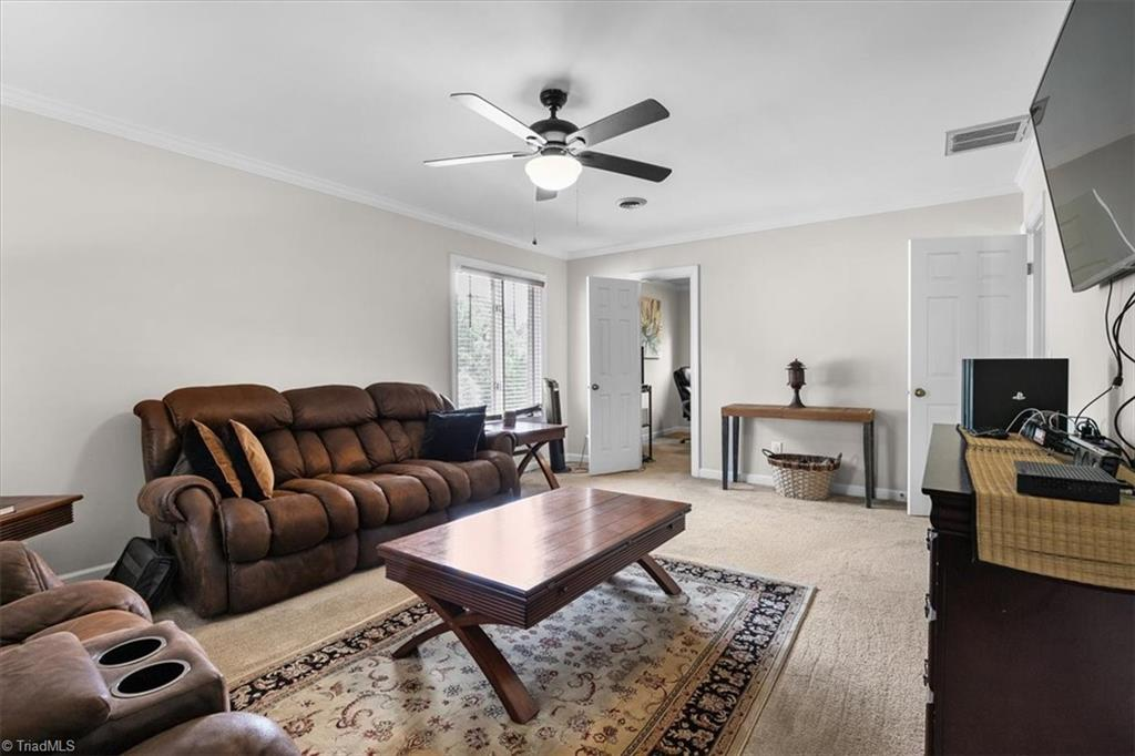Thumbnail for property 1030785 - 35