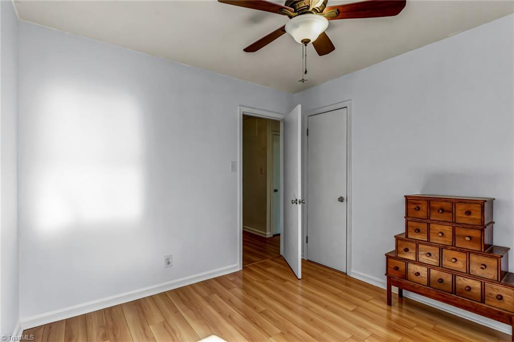 Thumbnail for property 1040733 - 30