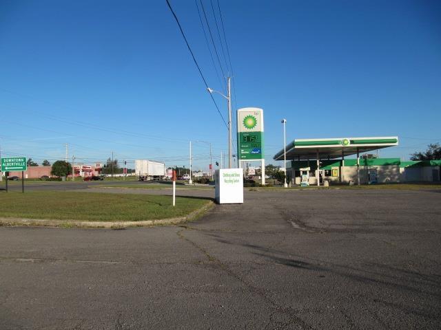 Photo of home for sale at US Highway 431, Albertville AL