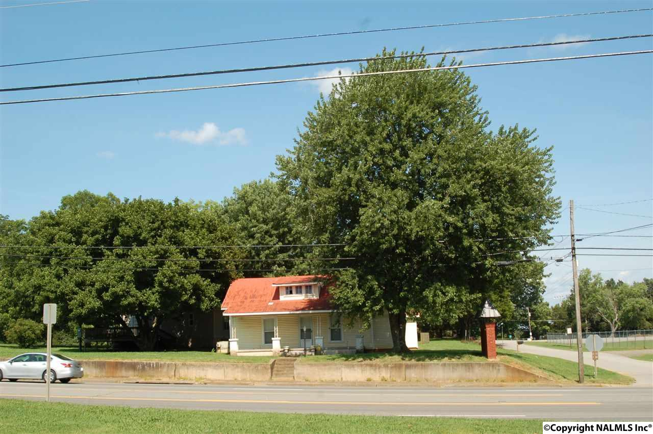 Photo of home for sale at 11590 Hwy 231/431, Meridianville AL