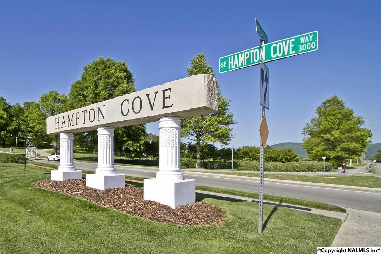 Photo of home for sale at 2600 Grande Woods Drive, Hampton Cove AL