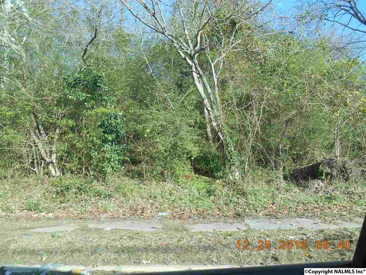 Photo of home for sale at Ewing Avenue, Gadsden AL