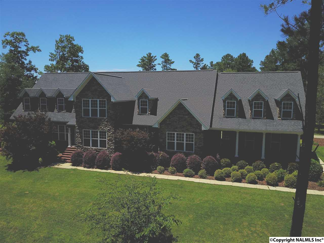 Photo of home for sale at 410 Mcclendon Road, Attalla AL