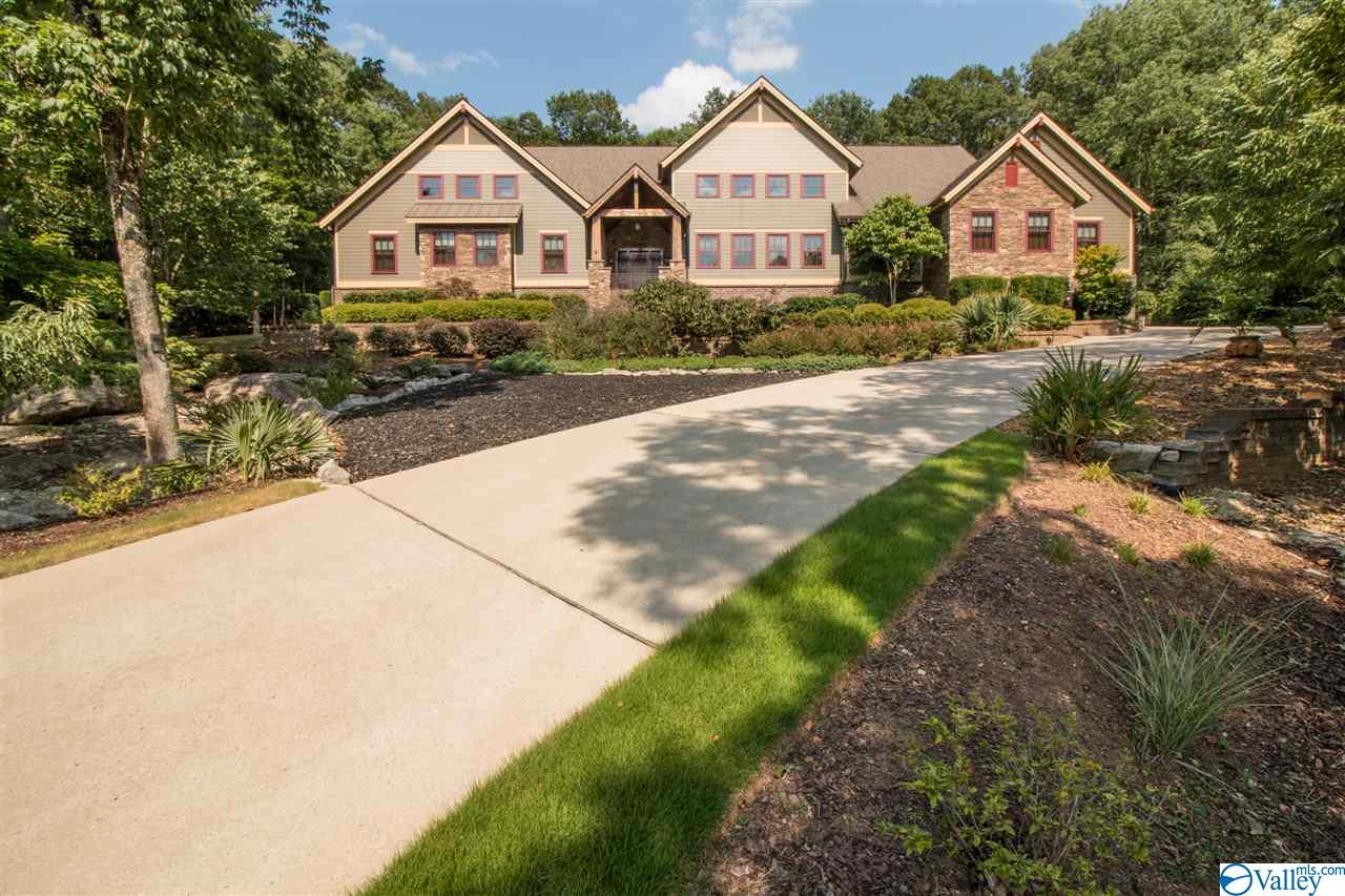 Photo of home for sale at 4070 High Mountain Road, Huntsville AL