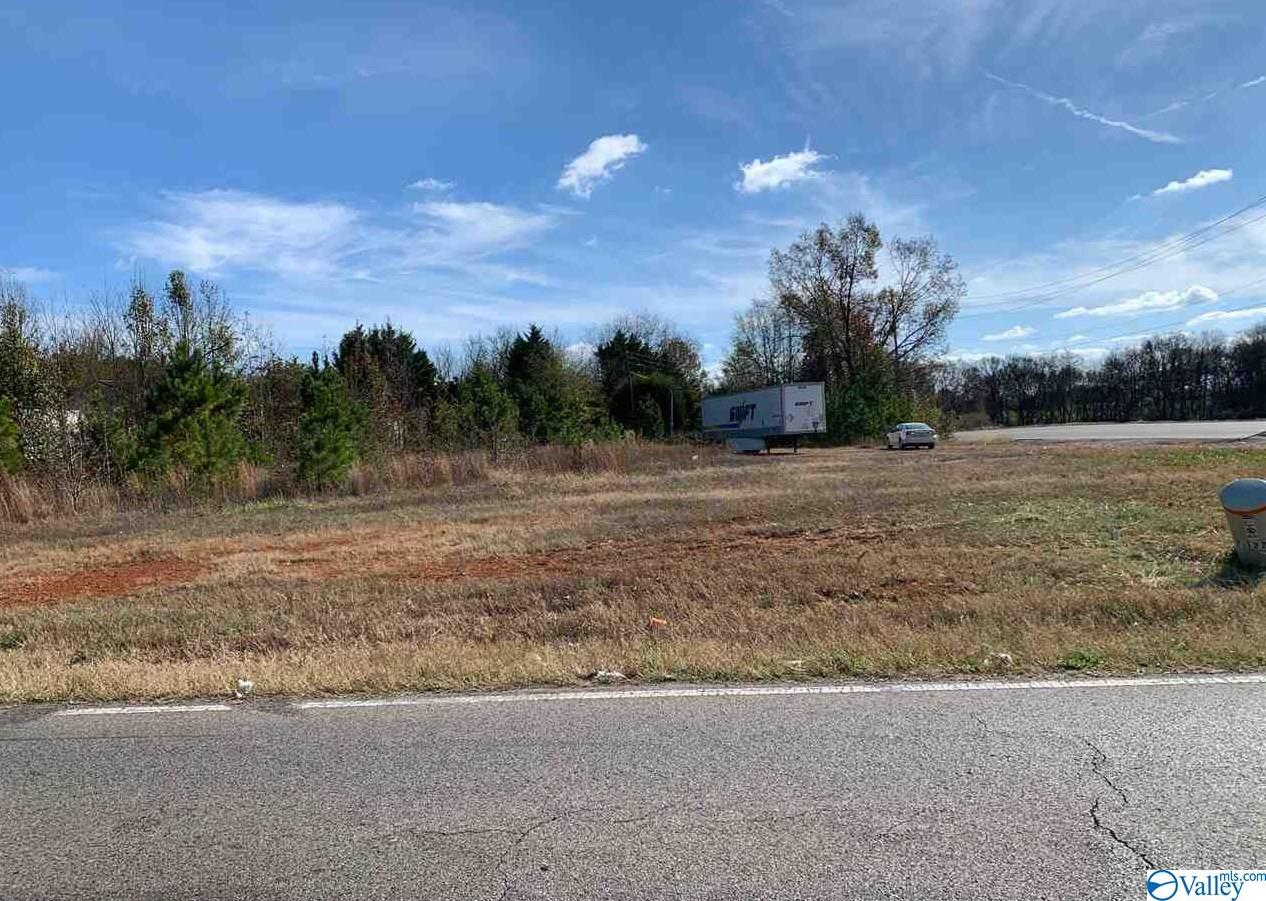 Photo of home for sale at Alabama Hwy 251, Athens AL