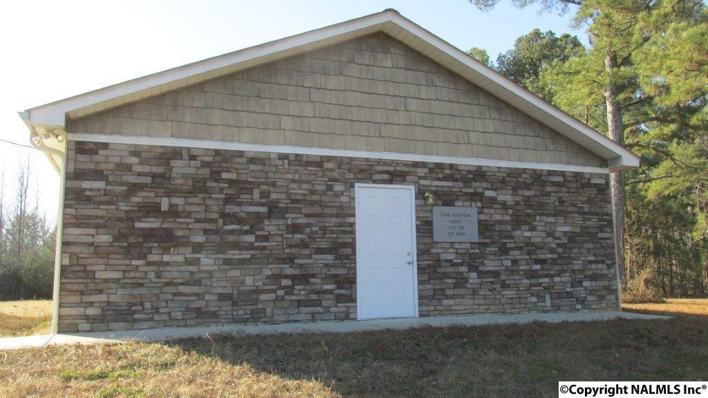 Photo of home for sale at 58 Sauls Warren Road, Boaz AL