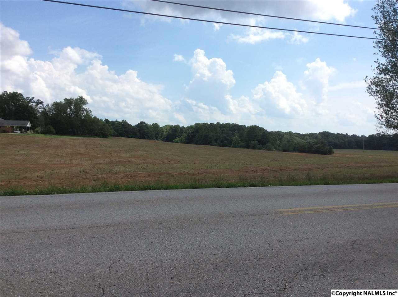 Photo of home for sale at 1450 East Forrest Street, Athens AL