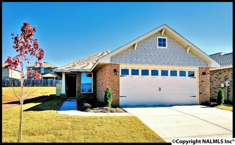 Photo of home for sale at 132 Brooklawn Drive, Harvest AL