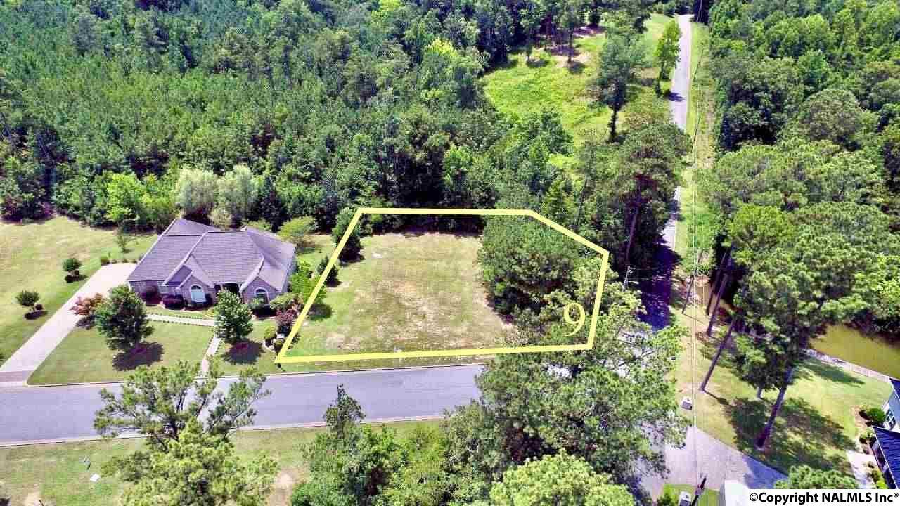 Photo of home for sale at 9 Bridle Ridge Road, Gadsden AL