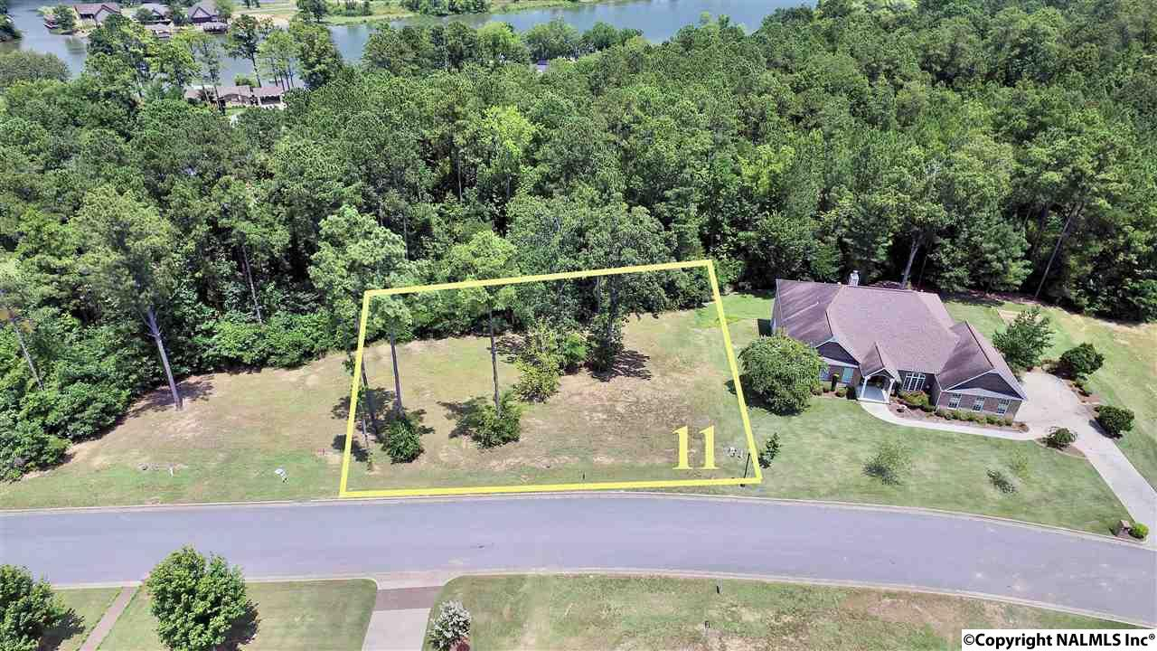 Photo of home for sale at 11 Bridle Ridge Road, Gadsden AL