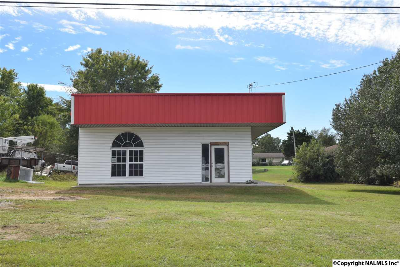 Photo of home for sale at 12857 US Hwy 431, Guntersville AL