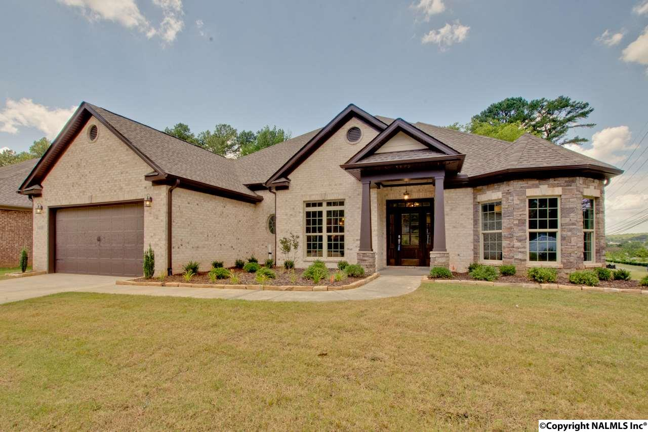 Photo of home for sale at 14089 Leafmore Drive, Huntsville AL