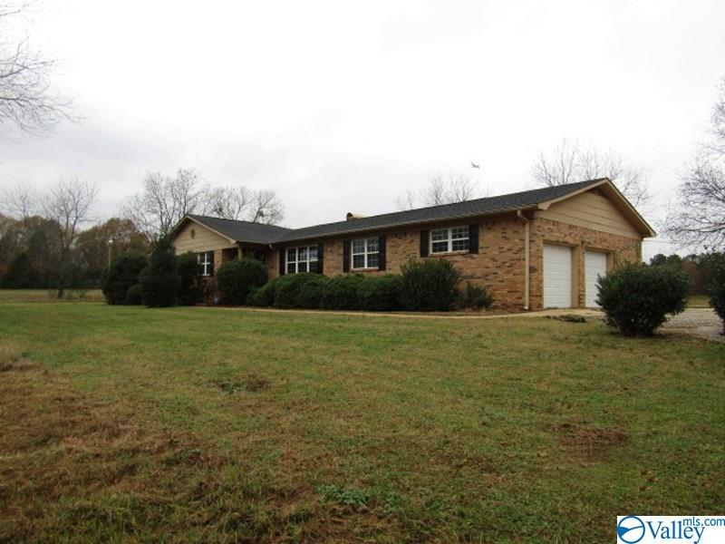 Photo of home for sale at 832 Landess Circle, Madison AL