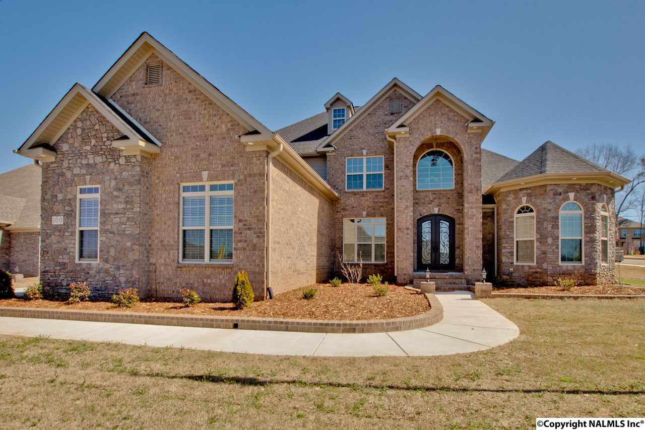 Photo of home for sale at 100 Shalerock Drive, Madison AL