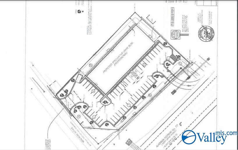 Photo of home for sale at 605 Grand Avenue, Rainbow City AL