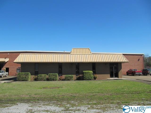 Photo of home for sale at 3810 Pleasant Valley Road, Attalla AL