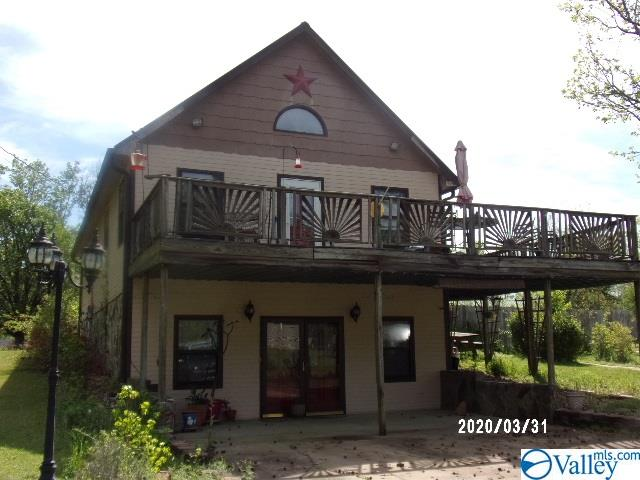 Photo of home for sale at 4130 Bachelors Chapel Road, Hokes Bluff AL
