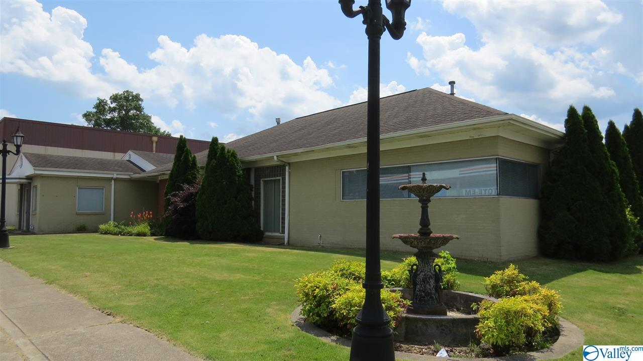 Photo of home for sale at 68959 Main Street, Blountsville AL