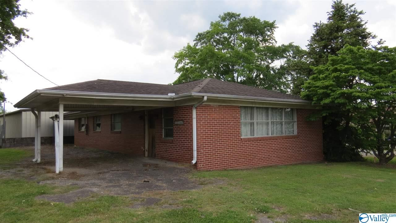 Photo of home for sale at 68909 Main Street, Blountsville AL