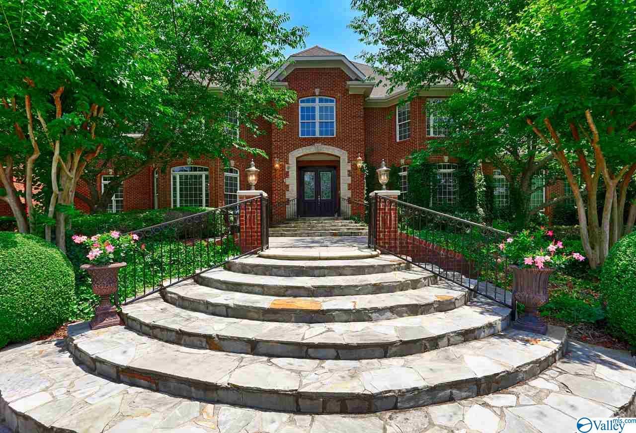Photo of home for sale at 122 Cheekwood Drive, Madison AL