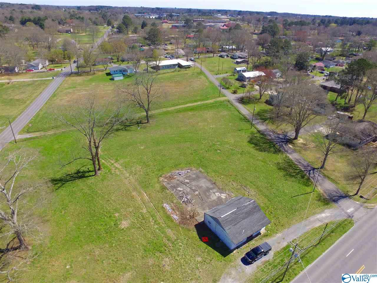 Photo of home for sale at 0 North Main Street, Boaz AL