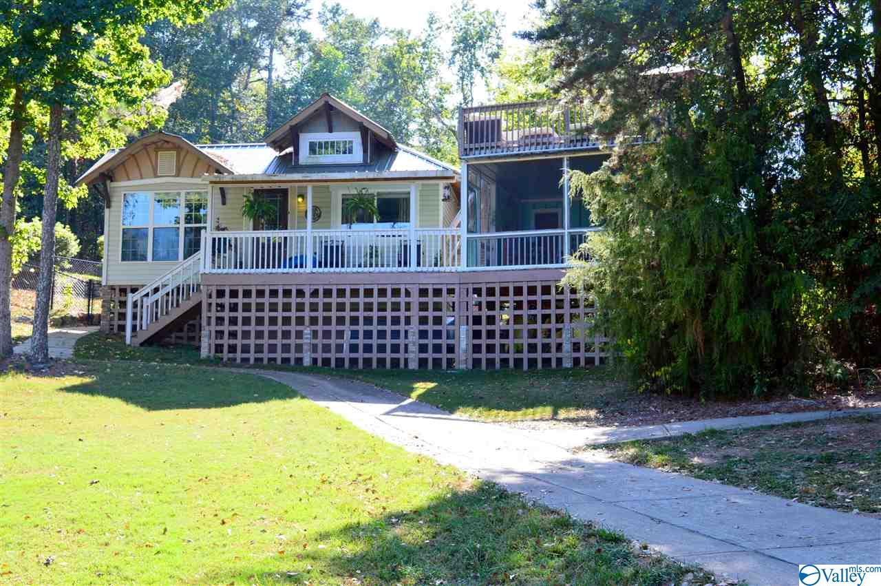 Photo of home for sale at 4480 County Road 44, Leesburg AL