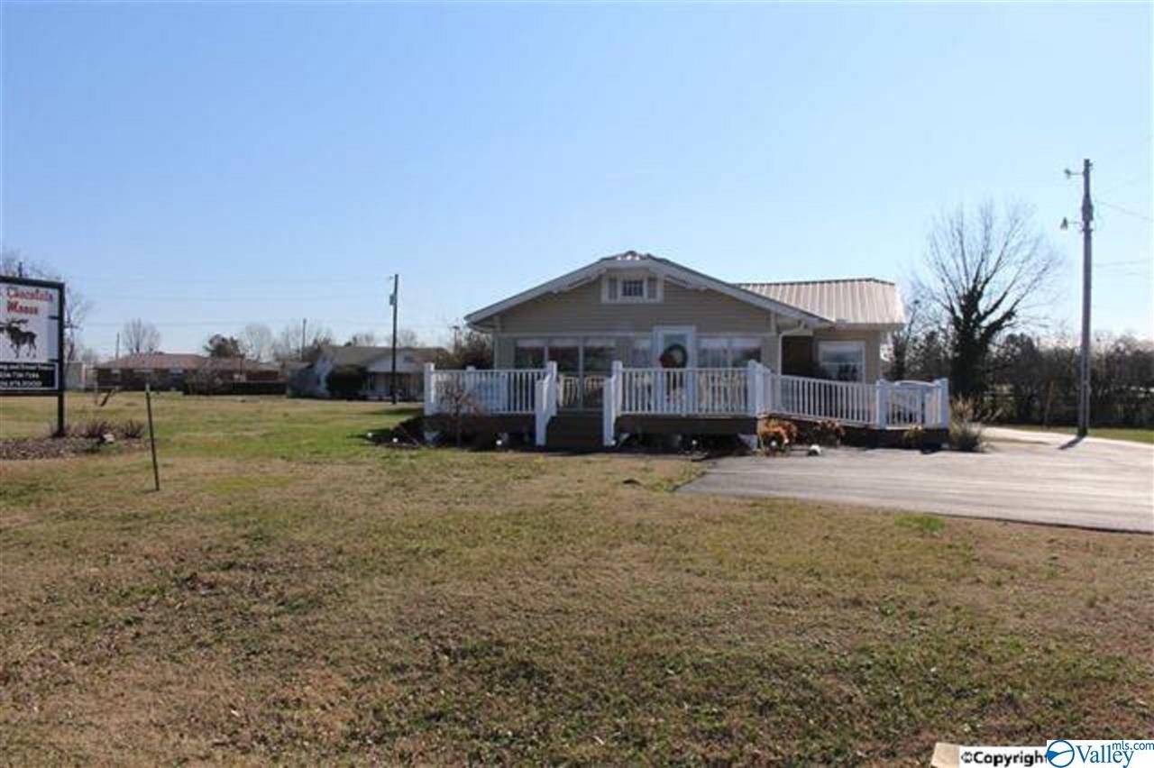 Photo of home for sale at 700 Horton Road, Albertville AL